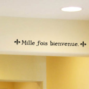 Mille fois bienvenue. Wall Decal
