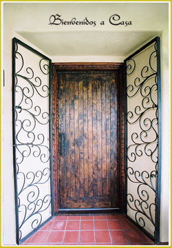 Southwestern Spanish door decor idea
